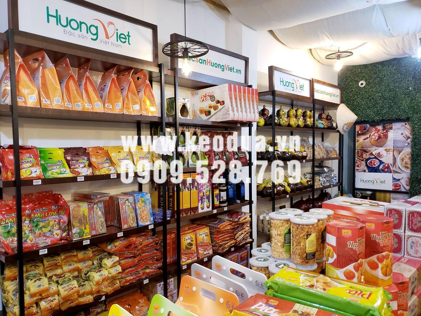 Cửa hàng kẹo dừa Bến Tre tại Sài Gòn